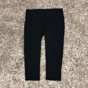 NWOT Spanx Capri Pants